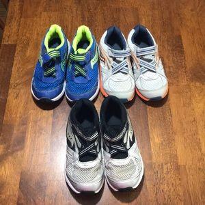 EUC- Toddler boys size 12 Saucony shoe bundle